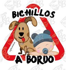BICHILLOS PERRO MARRON Y NIÑO GORRO AZUL A BORDO
