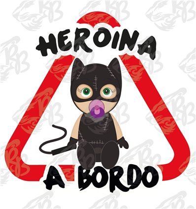 HEROE A BORDO-CATWOMAN SENTADA