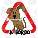 PERRO MARRON CON HUESO A BORDO